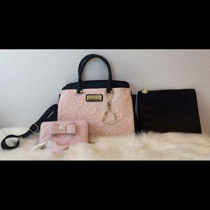 BRAND NEW!💕JUST LISTED! Betsey Johnson 3pc Set 💕